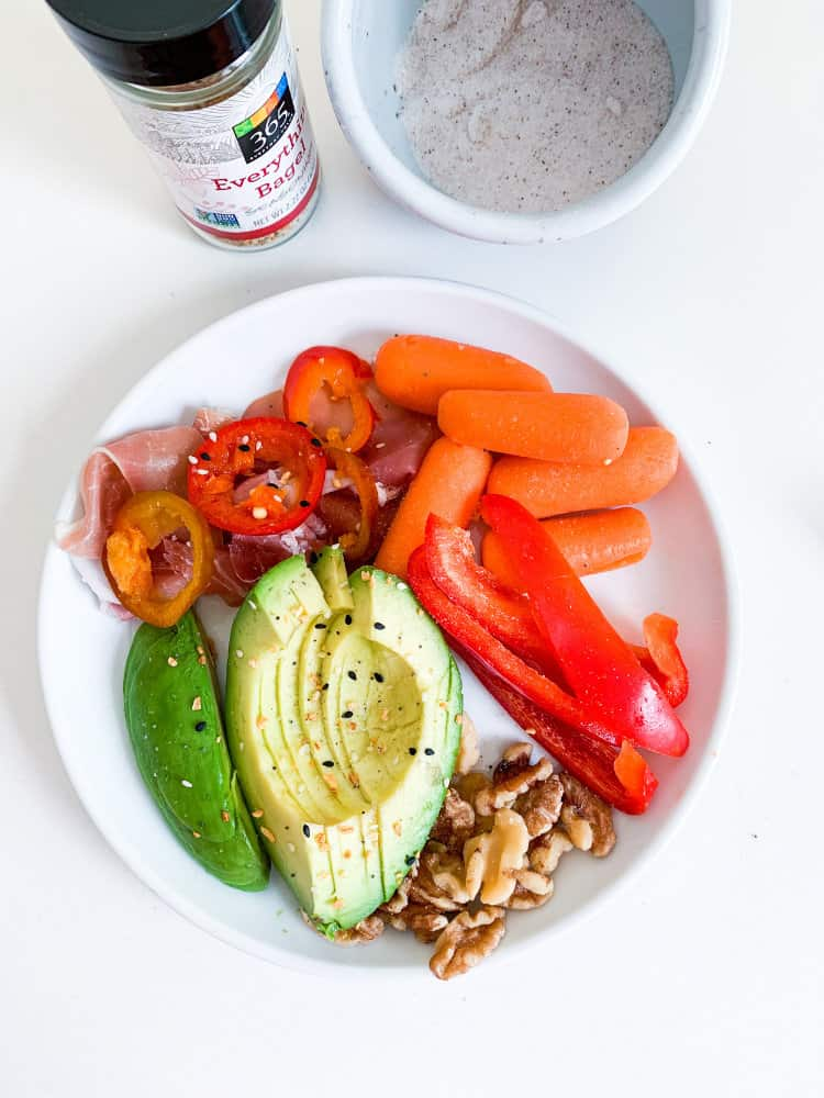 10 Easy Whole30 Lunch Or Emergency Meals avocado and veggies